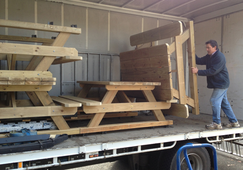 building solid quality commercial picnic tables for Mt Buller